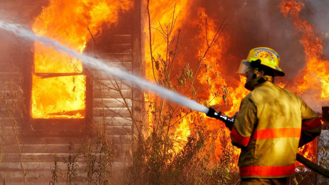 fire-fighting-safety-equipments_orig.jpg