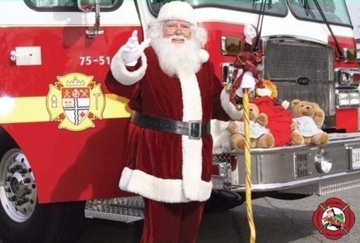Help_Santa_Toy_Parade.jpg