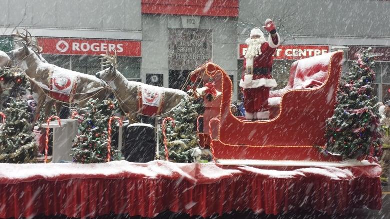 snow-on-santa-parade.jpg