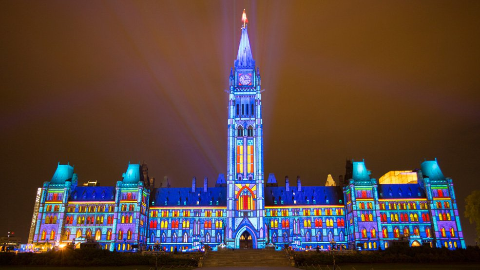 Sound-and-Light-Show-on-Parliament-Hill-Northern-Lights-1.jpg