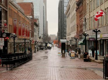 sparks-street-at-lunch-hour-1-08-p-m-on-monday-april-20.jpg