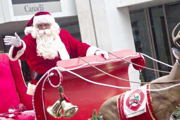 缩略图 | 孩子们最爱的圣诞老人来了,圣诞花车游行本周六隆重开启!
