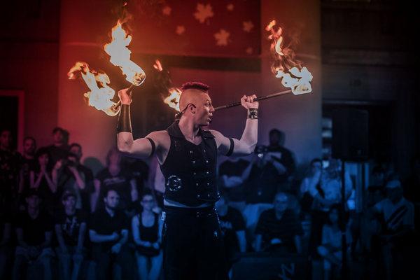 缩略图 | 2019渥太华国际街头艺人节:小丑杂技,魔术杂耍,各色表演,眼花缭乱!