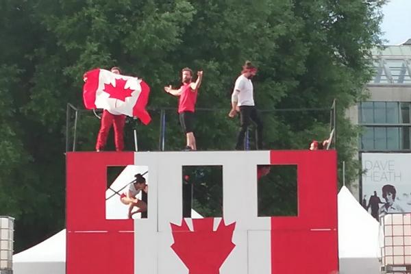 缩略图 | 【视频】加拿大国庆节精彩片段之快乐马戏团