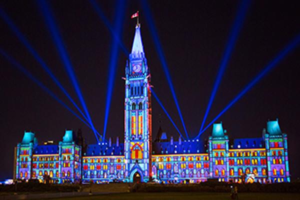 缩略图 | 渥太华夏季免费活动:国会山灯光秀又来啦,璀璨绚丽,美轮美奂!