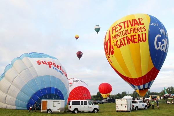 缩略图 | 2019加蒂诺热气球节:热气球,游乐园,烟花秀,酷表演,长周末,High翻天!