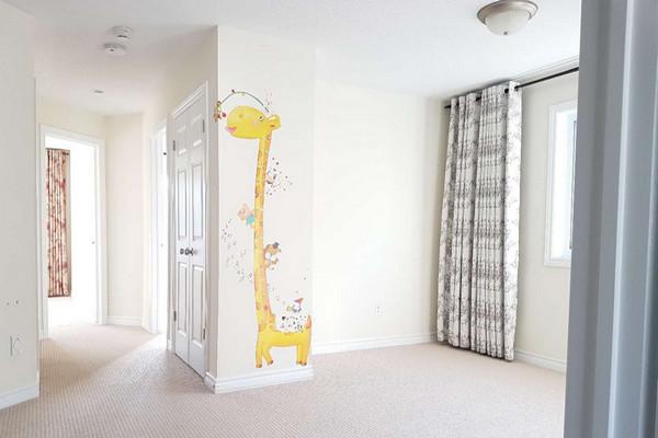 缩略图 | 【吉屋招租】Barrhaven 新装修好的最大户型四卧室镇屋出租