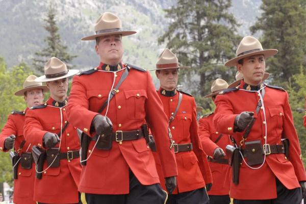 缩略图 | 加拿大皇家骑警招人了:IT工作,年薪$75,129到$91,953!