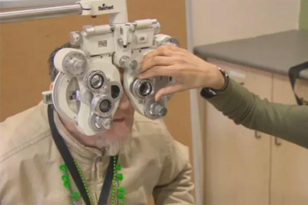 缩略图 | 安省OHIP健康卡免费验眼服务,9月1日起很可能要停了
