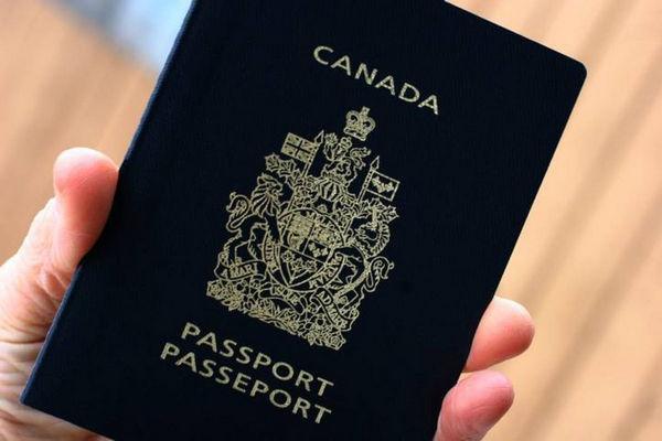 缩略图   加拿大办理护照服务开始恢复!