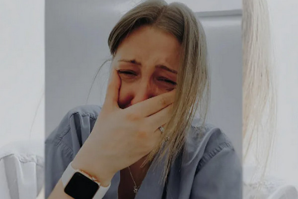缩略图 | 加拿大一家3口染疫接连去世!护士崩溃痛哭:求求你们戴上口罩!