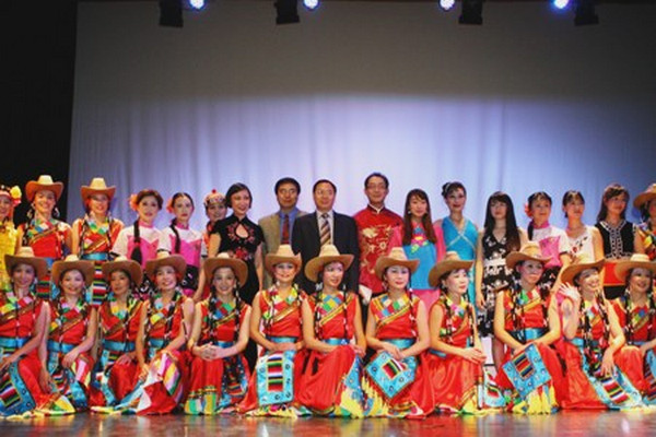 缩略图   东方舞蹈团英语合唱班开课啦!将献唱建团30年庆祝晚会