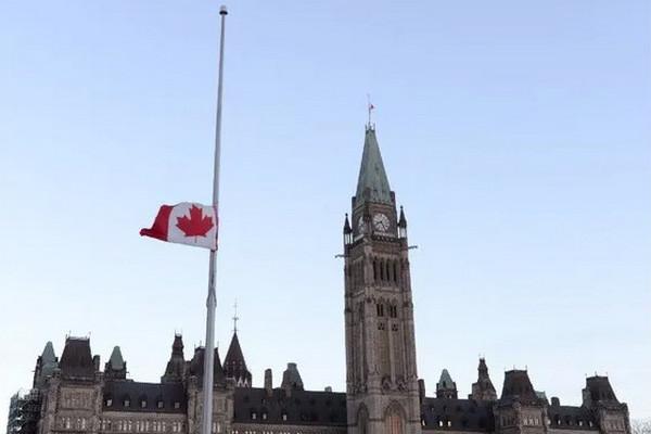 缩略图   特鲁多宣布:加拿大全国降半旗,纪念215名儿童亡魂!