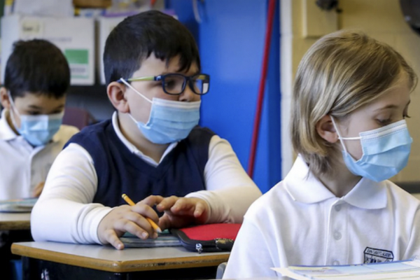 缩略图 | 加拿大这省小学和幼儿园发放的口罩有毒!