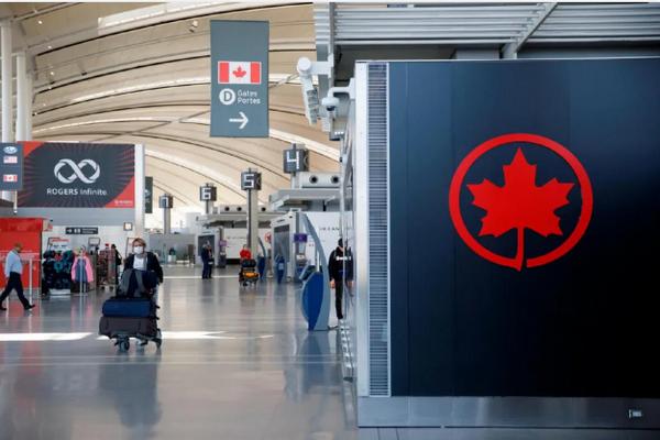 缩略图 | 留学生慌了!加拿大开学前4周内不能入境,否则会被拒!
