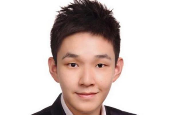 缩略图 | 24岁美籍华人获父母合赠股权,一夜之间成为亿万富翁!
