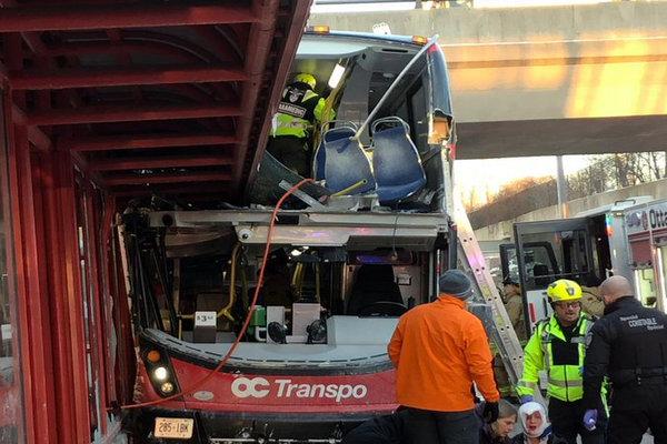 缩略图 | 【视频】渥太华双层公交车又出重大车祸:3人死亡,至少23人受伤!