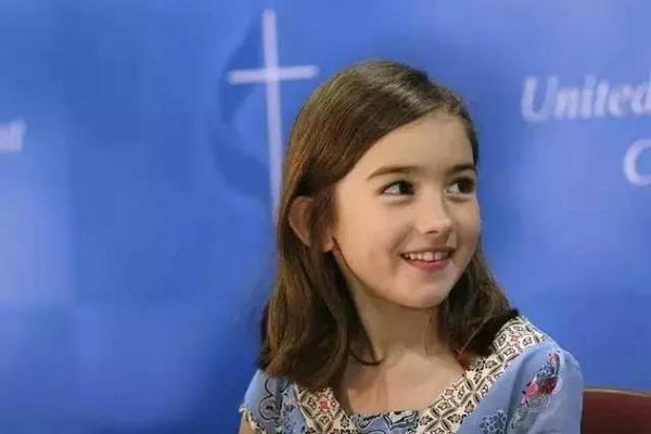 缩略图 | 7岁拯救百万儿童的小萝莉,如今长成了最美的样子