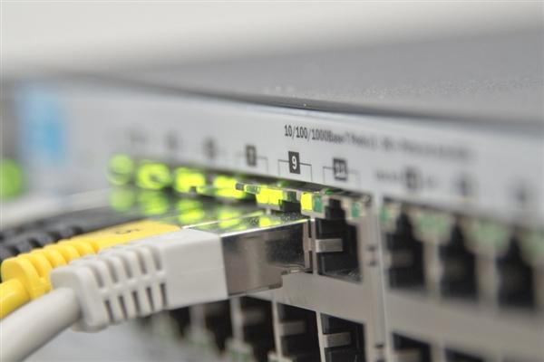 缩略图 | 3.19亿兆!日本打破全球网速记录:1秒1万部高清大片