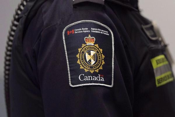 缩略图 | 30名旅客伪造阴性证明,试图闯入加拿大!