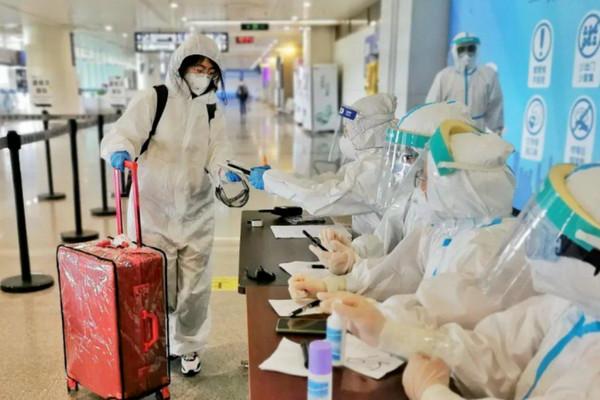 缩略图 | 加拿大回国航班接连被取消、延误:回国华人悲催,检测作废,必须重检!