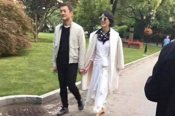 缩略图 | 离婚6年,李亚鹏发文公布新恋情