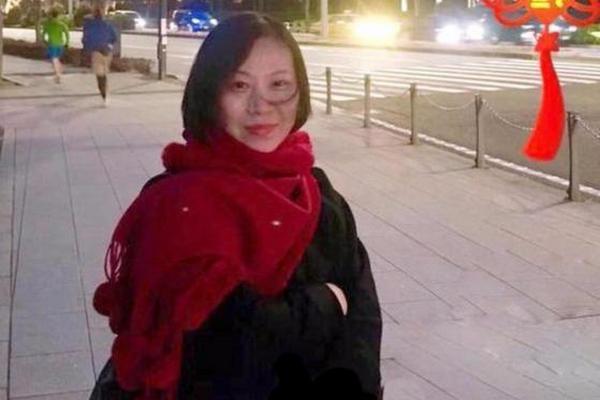 缩略图 | 李咏去世一月,这位才女也患癌病逝年仅49