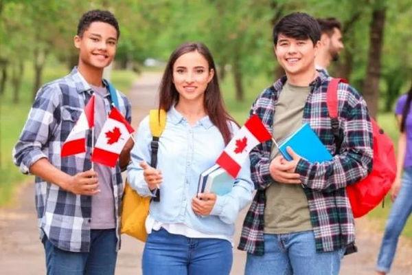缩略图 | 加拿大国际留学生转永久居民身份,印度排首位!