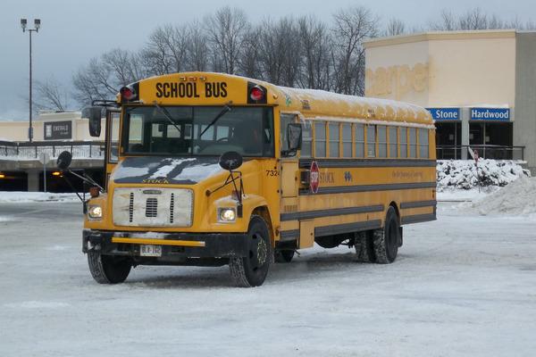 缩略图 | 恶劣天气导致渥太华加蒂诺地区校车取消连续达4天,部分学校考试被推迟!