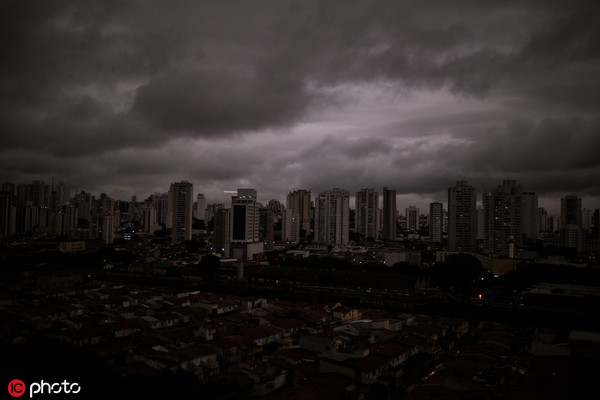 缩略图 | 亚马逊森林火灾四起,巴西圣保罗黑云压城!