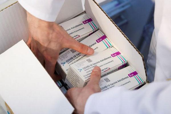 缩略图   阿尔伯塔停止注射阿斯利康作为第一剂疫苗接种!