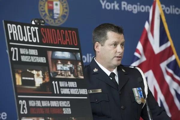 缩略图 | 加拿大最大黑手党家族被抄家!27栋豪宅,23辆超跑全没了!