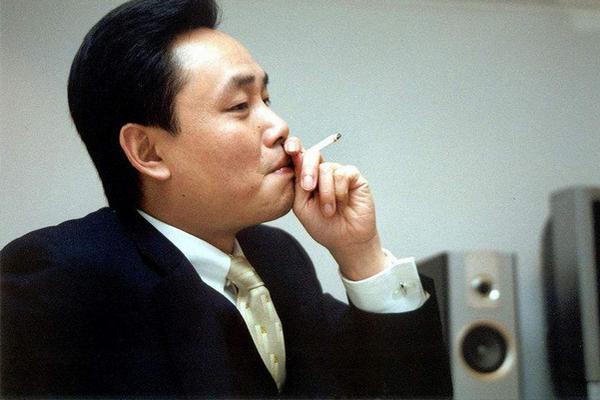 缩略图 | 51岁黄光裕出狱:12年前身价430亿的他得罪了谁?