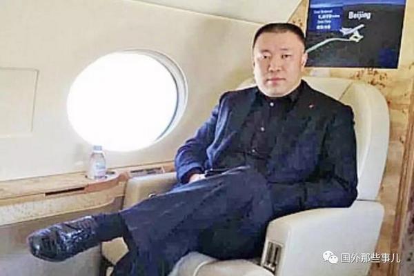 缩略图 | 加拿大华人富豪被电锯分尸108块,死后7名女子带娃争遗产!