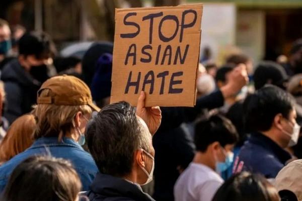 缩略图 | 加拿大被泼咖啡华裔女生发声,该如何应对种族歧视