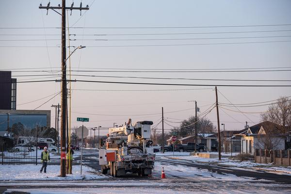 缩略图 | 寒潮肆虐下得州电价飙升180倍,有住户几天内电费上涨近1万美元