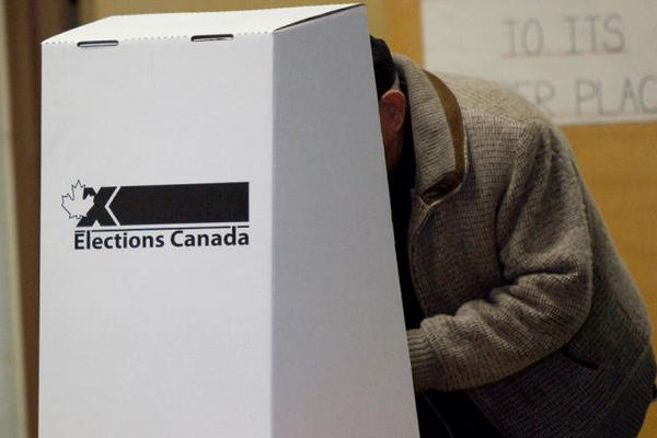 缩略图 | 加拿大选举局:不戴口罩将被拒入投票站