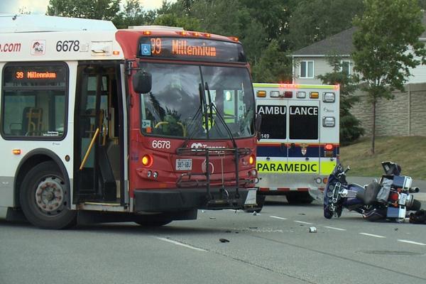 缩略图 | 渥太华OC Transpo又出事啦!公交司机危险驾驶, 一人被撞重伤!