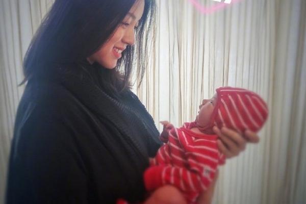 缩略图 | 张梓琳儿童节宣布二胎产女:我们的世界,从此多了一个你