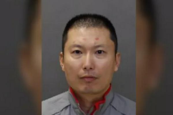缩略图 | 警方通缉51岁华人男子:涉嫌企图谋杀,藏有武器极度危险!