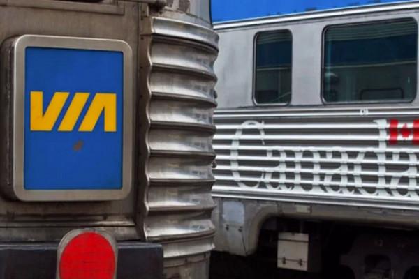 缩略图 | 渥太华 Via Rail 火车撞死行人,156名乘客滞留车上!