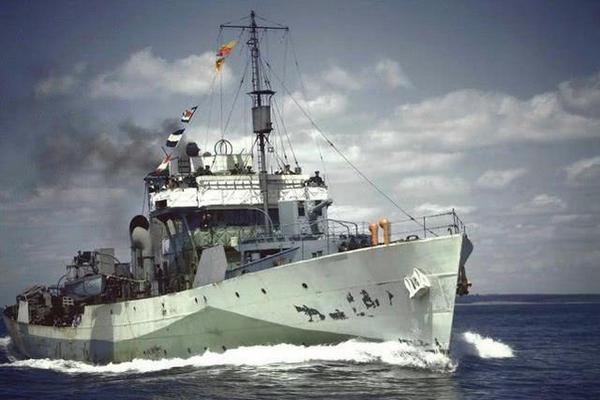 缩略图 | 加拿大舰气势汹汹抵达,随即在南海遭严密监视,渥太华承认差距大!