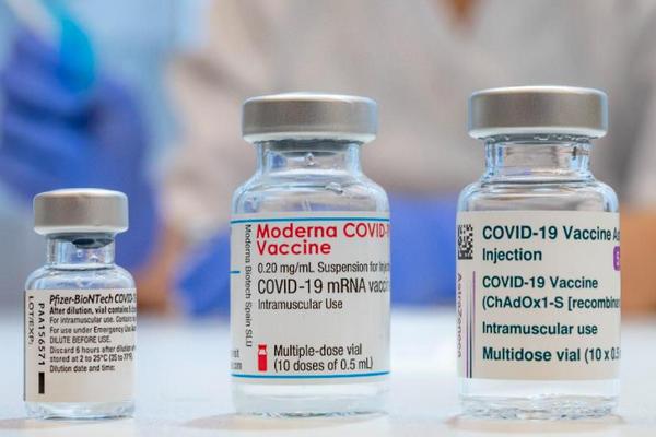 缩略图 | Moderna又出事,两国暂停30岁以下人群接种!加拿大第三针已开审!