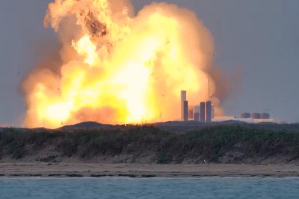 缩略图 | SpaceX 星际飞船原型机测试后猛烈爆炸,死伤不详!