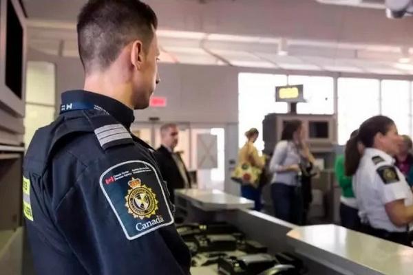 缩略图   移民和留学生注意:加拿大边境局这条新规已经实施,枫叶卡续签受影响