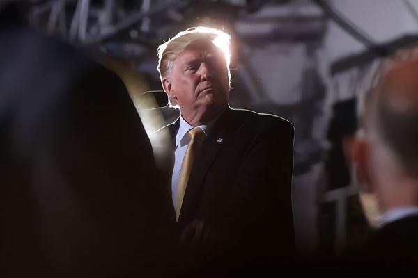 缩略图   特朗普:我不是尼克松,他离开了但我不会