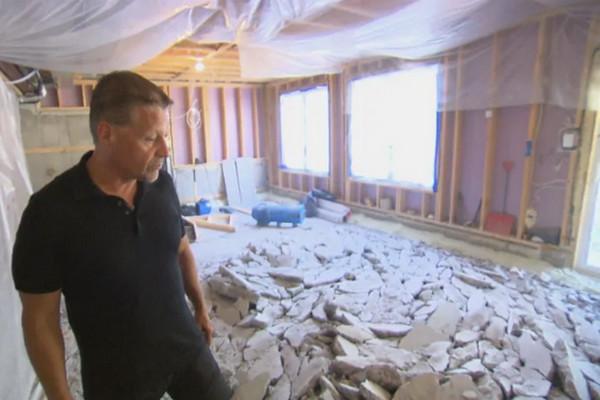 缩略图 | 新房霉变需重新维修,渥太华房主被迫住车库!
