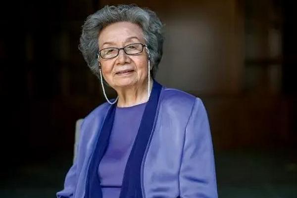 缩略图 | 95岁裸捐3568万给中国学生,她才是华人女神!