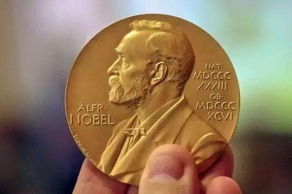 缩略图 | 获得诺贝尔奖是一种什么体验?大部分人被吵醒,有人兴奋有人懵,还有人翻白眼……