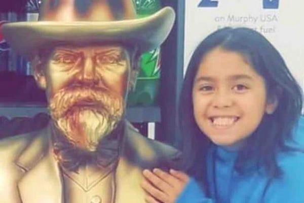 缩略图 | 9岁女童骑车时被3只恶犬咬死,父亲悲愤:上周还提醒过狗主人